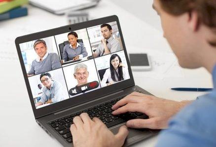 3 astuces pour organiser des réunions virtuelles réussies en tenant compte des personnes introverties de votre équipe