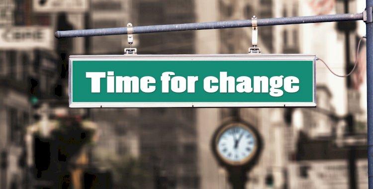 Comment faire la transition d'un emploi normal de jour au freelance à temps plein?